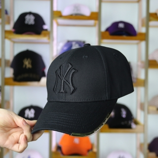 MLB New York Yankees Curved Brim Snapback Cap 61649